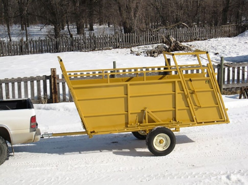 Portable Loading Chute towed by a pickup